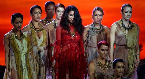 Selena Gomez - 2013 MTV Movie Awards Performance