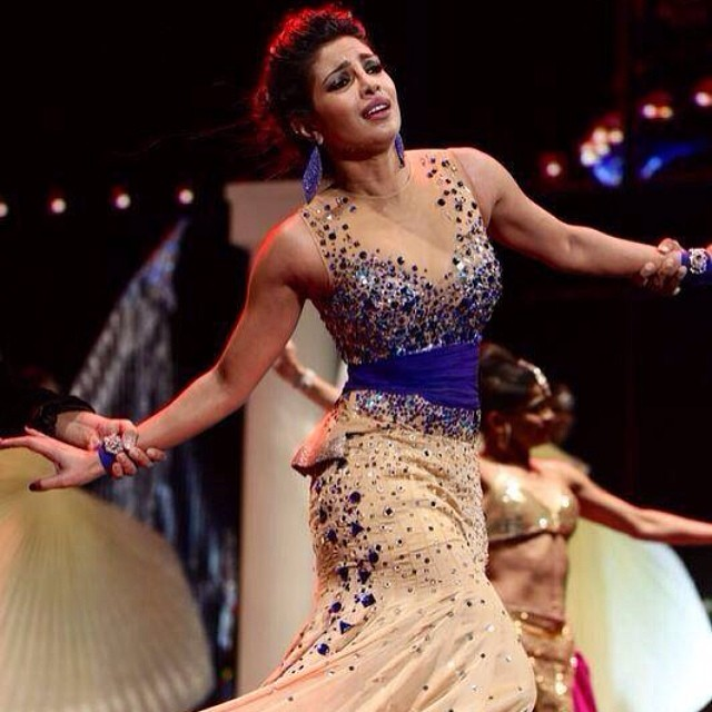 @priyankachopra brings to life the #magicofthemovies during the 2014 #IIFAawards. #iifa #iifa2014 #2014iifa #2014iifaawards #bollywood #bollywoodawards #priyankachopra