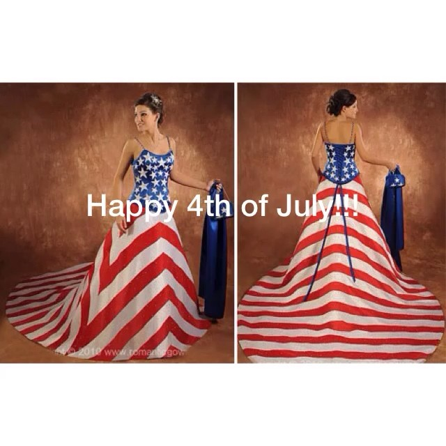 #4thofjuly #happy4th wishing all a fashionable and safe 4th of July!!