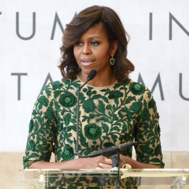 #FirstLadyMichelleObama #MichelleObama wearing #NaeemKhan at the grand opening of the #AnnaWintour Costume Center at the #MetropolitanMuseumofArt, where she is cutting the ribbon. #fashion #fashionable #designer #NaeemKhanDesigner